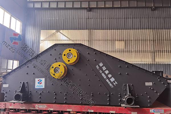 时产300-350吨大型激振器款脱水筛机发往河南嵩县